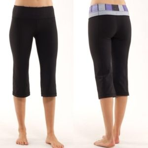 Lululemon Groove Crop  Black / Quilting Winter 25